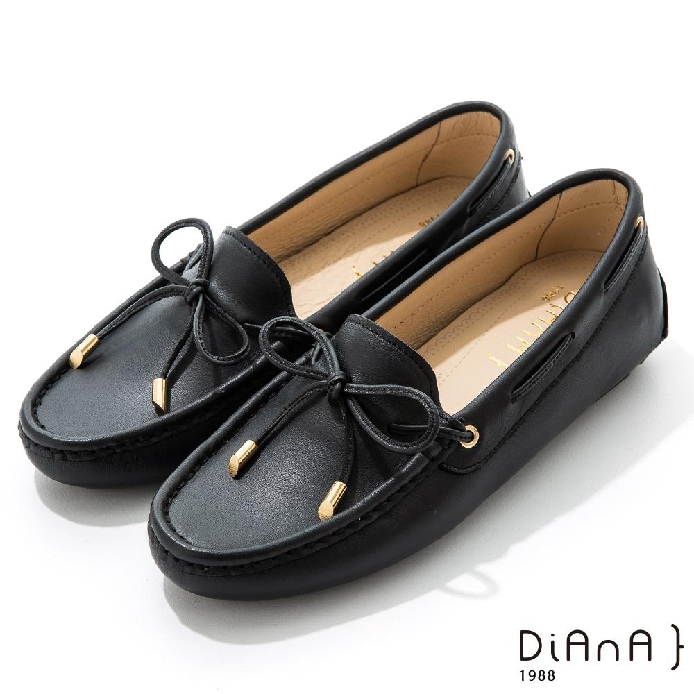 DIANA 0.5cm 質感牛皮蝴蝶結莫卡辛樂福平底休閒鞋-漫步雲端焦糖美人-仙草