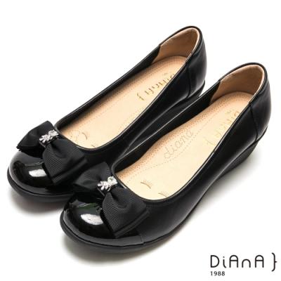 DIANA可愛小熊水鑽蝴蝶結真皮楔型鞋-漫步雲端厚切焦糖美人-黑