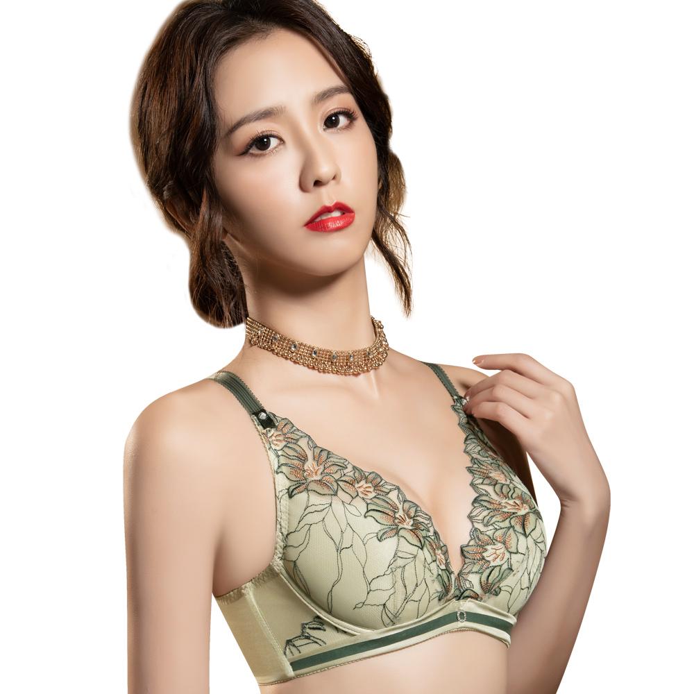 思薇爾 花影饗宴系列B-E罩深V蕾絲刺繡包覆內衣(優雅綠)