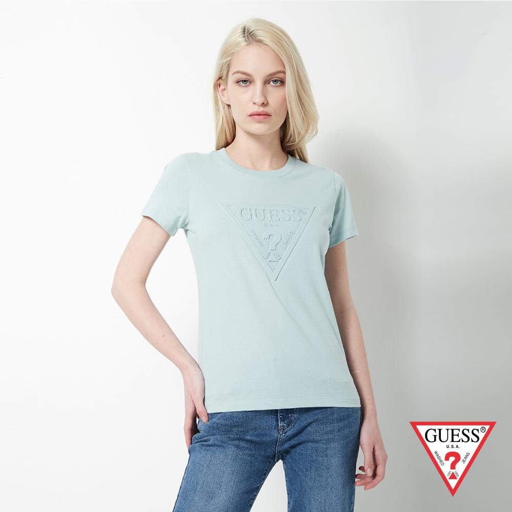 GUESS-女裝-浮雕經典LOGO短T,T恤-淺藍 原價1390