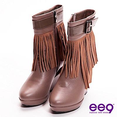 ee9 心滿益足~時尚巨星獨家金屬造型跟流蘇皮帶扣真皮中筒靴~氣派可可