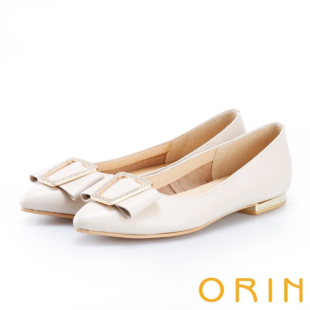 ORIN 金屬白鑽飾釦牛皮平底鞋 白色