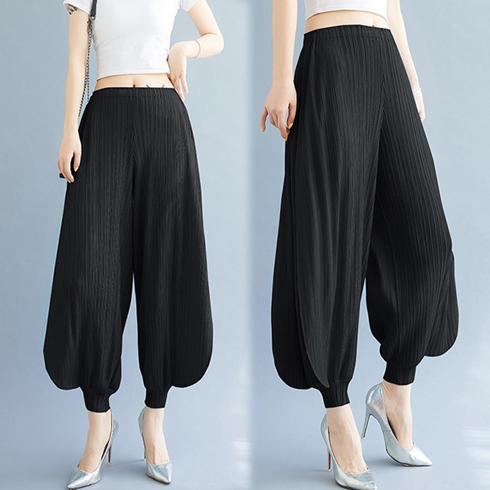 [KEITH-WILL]天藍緞三宅壓褶風喇吧風設計寬褲 (黑色)
