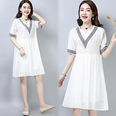 民族繡花連衣裙-白色(M-2XL可選)     NUMI  復古