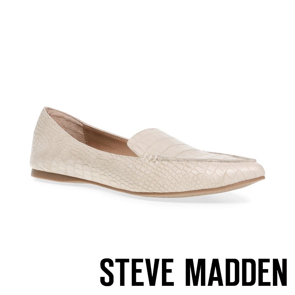 STEVE MADDEN-FEATHER 時尚品味壓紋尖頭平底鞋-卡其