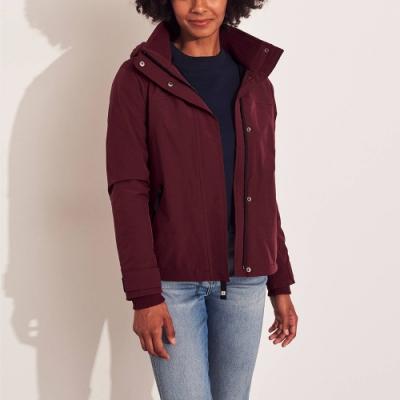 海鷗 Hollister 年度熱銷經典標誌防風防潑水風衣外套(女)-酒紅色