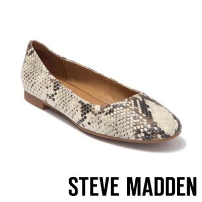 STEVE MADDEN-DANNI 清新百搭 素面平底娃娃鞋-蛇皮白