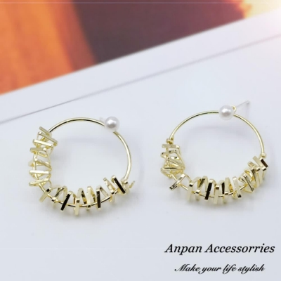 【Anpan 愛扮】韓東大門NYU時尚後扣小珍珠金屬不規則圓形鏤空925銀針耳釘式耳環