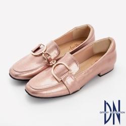 DN樂福鞋_MIT幾何金屬飾扣爆裂紋平底樂福鞋-粉