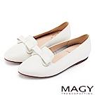 MAGY 甜美混搭新風貌 蝴蝶結牛皮平底便鞋-白色