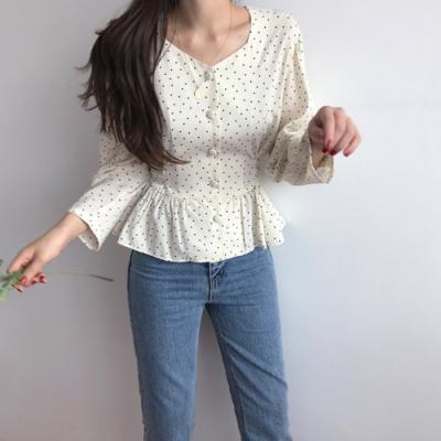 2F韓衣-簡約排扣波點綁袋造型上衣-2色(S-XL)