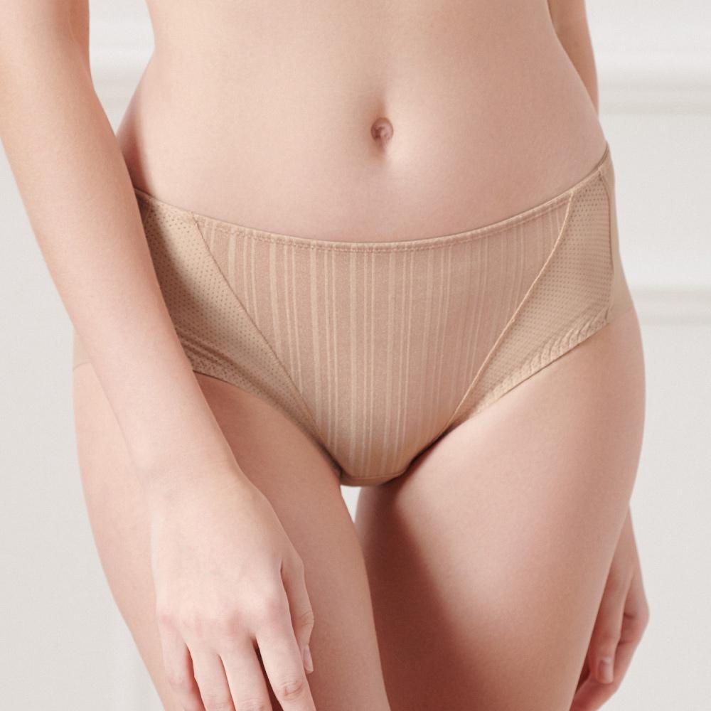 黛安芬-T-Shirt Bra系列平口內褲M-EEL(經典裸)