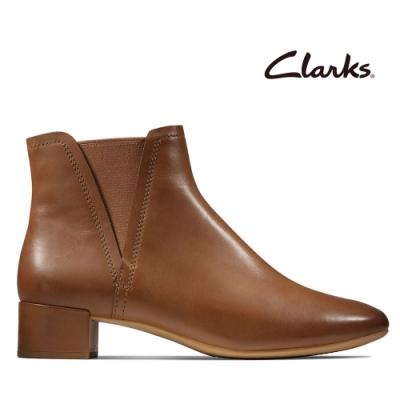 Clarks 蹤履隨型-簡約素面微尖頭切爾西靴 棕褐色