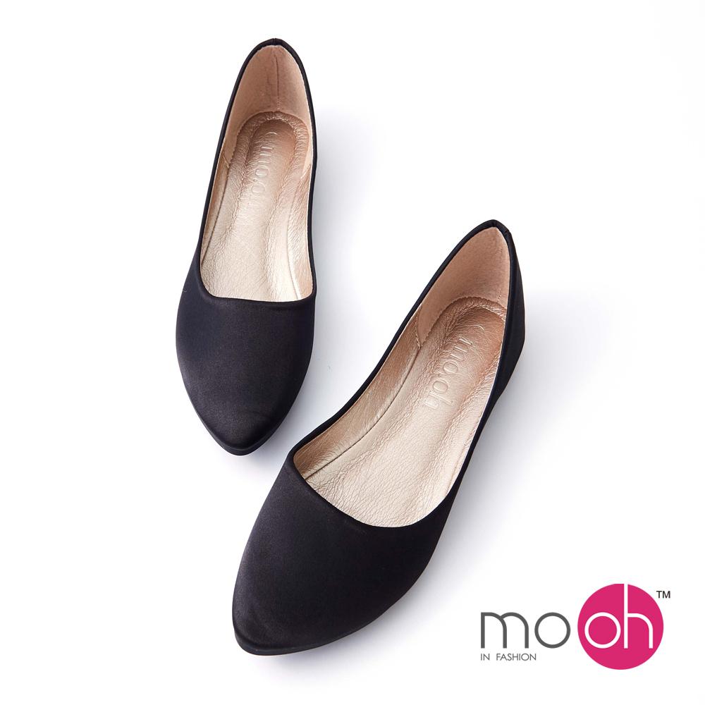 mo.oh 尖頭緞面套腳平底娃娃鞋-黑色