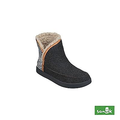 SANUK NICE BOOTAH OJAI 羊毛格紋中筒靴-女款(鐵灰色)