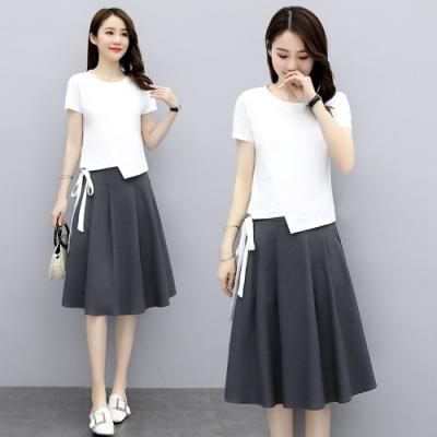 綁帶衣襬圓領T恤+顯瘦減齡A字裙二件套M-2XL(共四色)-SZ