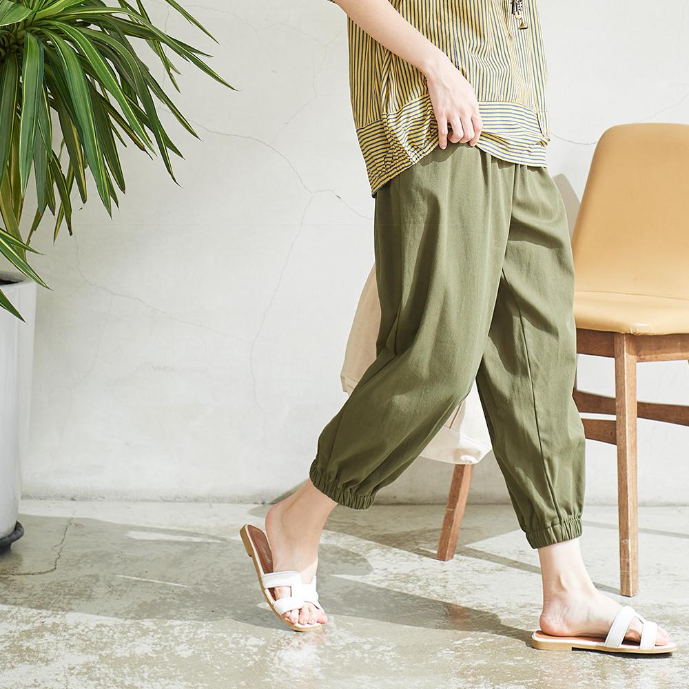 慢 生活 鬆緊腰純色寬版縮口褲-綠/卡其