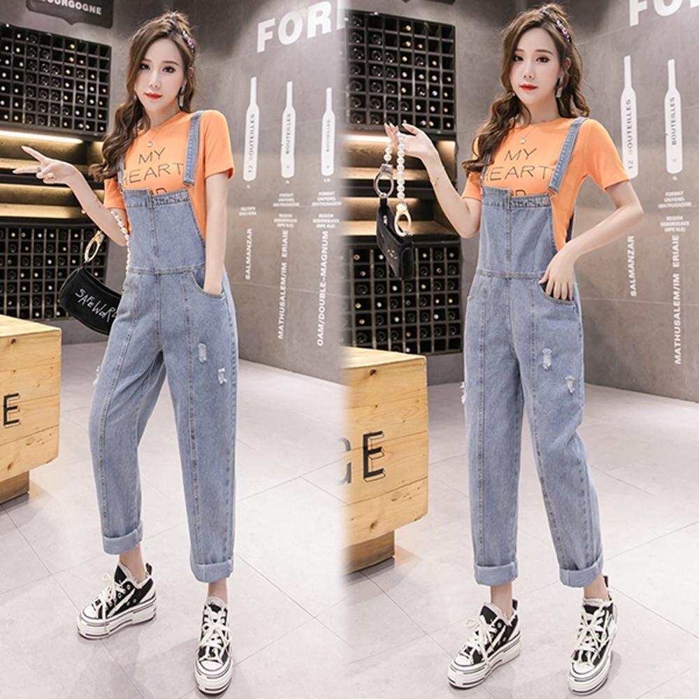 【韓國K.W.】(預購)小破口造形連身牛仔吊帶褲-1色