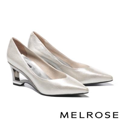 高跟鞋 MELROSE 細緻奢華晶鑽點綴羊皮尖頭造型高跟鞋-銀