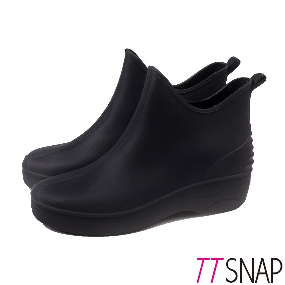 TTSNAP雨鞋-輕量寬版霧面圓頭防水雨靴 黑