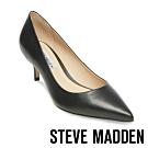 STEVE MADDEN-SABRINAH 素面尖頭中跟鞋-黑色