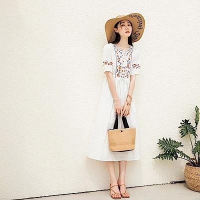 高含棉優雅花卉刺繡短袖洋裝-OB嚴選