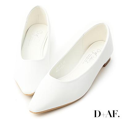 D+AF 純色時尚.素面微尖頭低跟鞋*白
