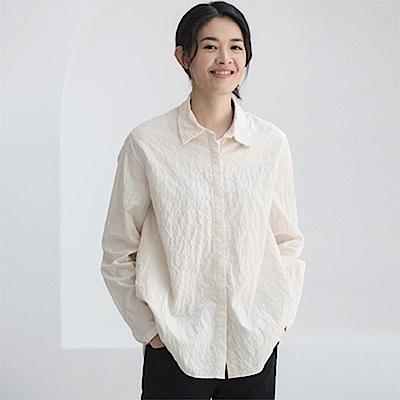 旅途原品_舊夢_原創設計風琴領微皺肌理襯衫-米白