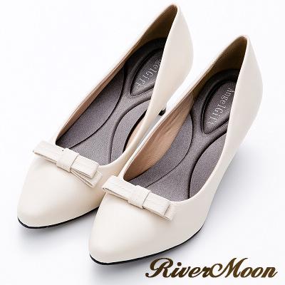 River&Moon通勤必備蝴蝶結記憶鞋墊尖頭跟鞋-米