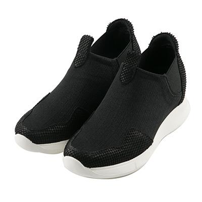 BESO 酷感休閒 異材質拼接彈力布休閒鞋~黑