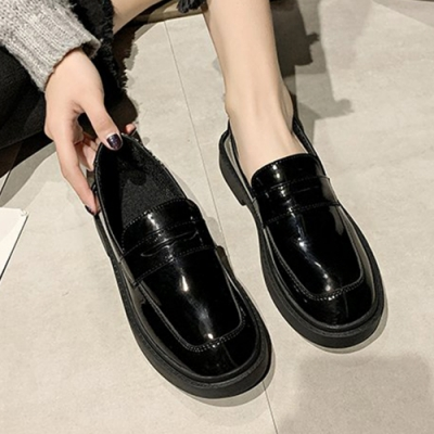 KEITH-WILL時尚鞋館 氣質厚底素面樂福鞋-黑