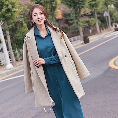 溫暖毛呢木紋釦收腰綁帶長版大衣/外套-OB嚴選