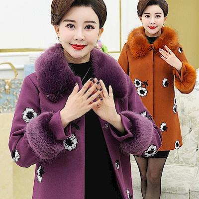 刺繡蓬毛領毛呢大衣-XL~4XL(共三色)-理子時尚