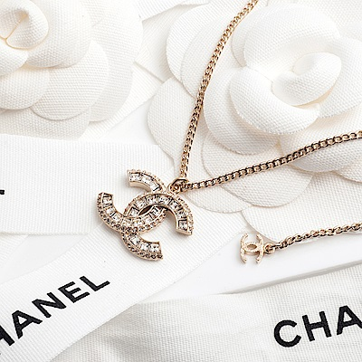 CHANEL 香奈兒經典雙C LOGO大方鑽鑲邊小鑽項鍊 (金色)