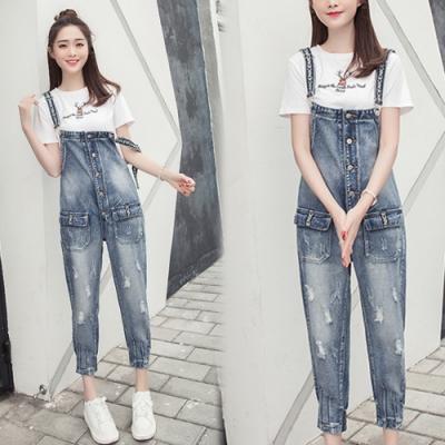 【韓國K.W.】(預購)扣飾造形連身牛仔吊帶褲-1色