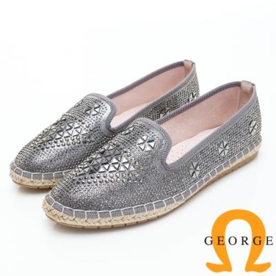 GEORGE 喬治皮鞋 三角鉚釘造型亮片舒適休閒鞋-銀色