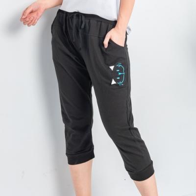 【白鵝buyer】可愛貓咪休閒棉料七分褲_黑色