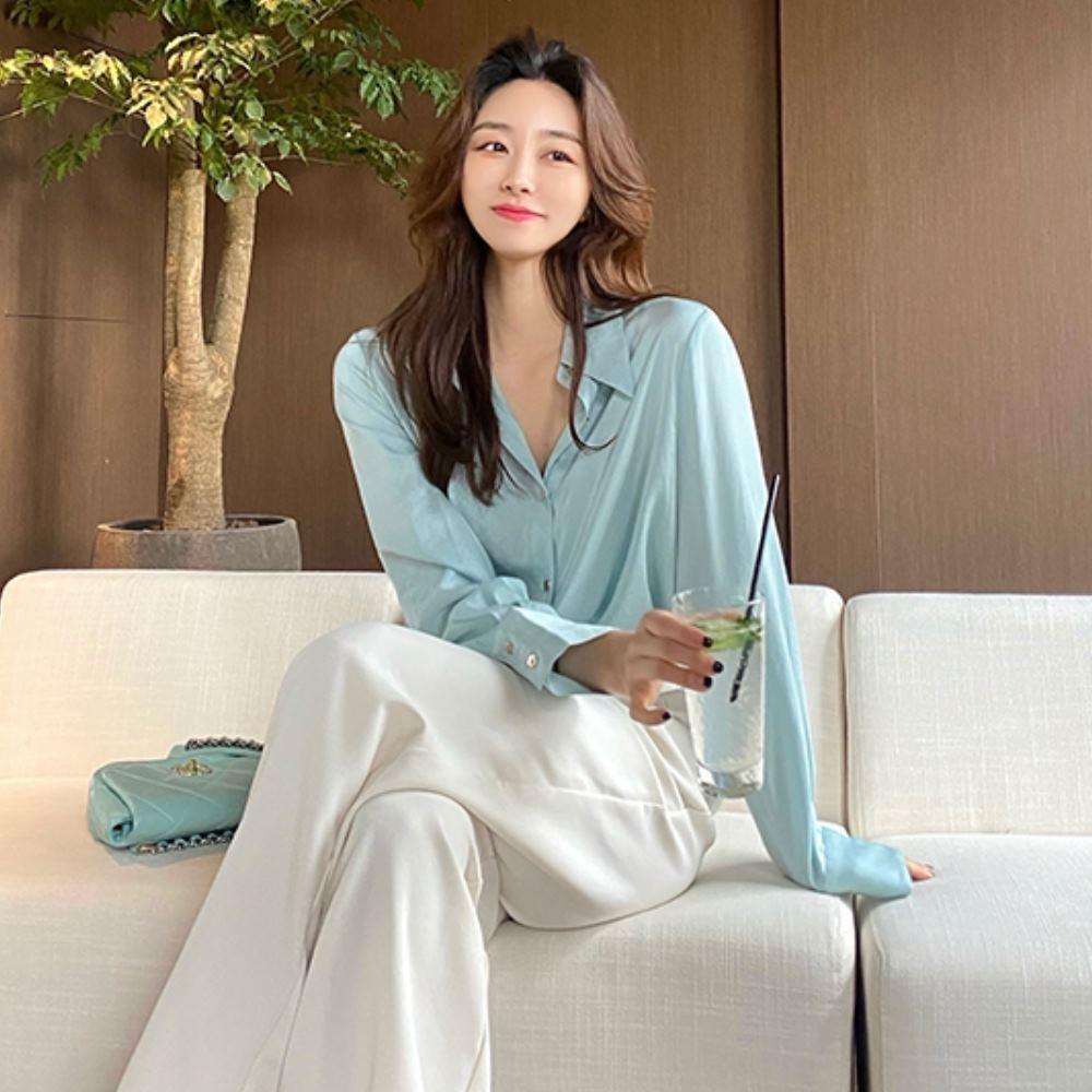 La Belleza素色微亮面絲滑排釦長版襯衫