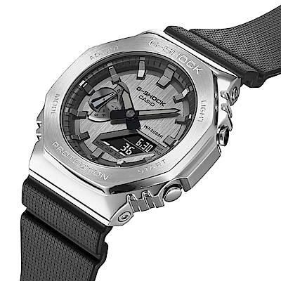 CASIO卡西歐 G-SHOCK 百搭銀黑 金屬錶殼 八角形錶殼 GM-2100-1A_44.4mm