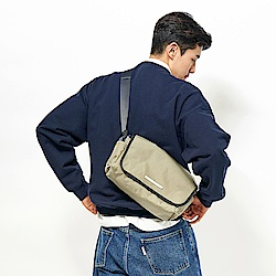 RAWROW-廣場系列-肩/側背郵差包(中,32x17cm)-橄欖綠-RMS610OL