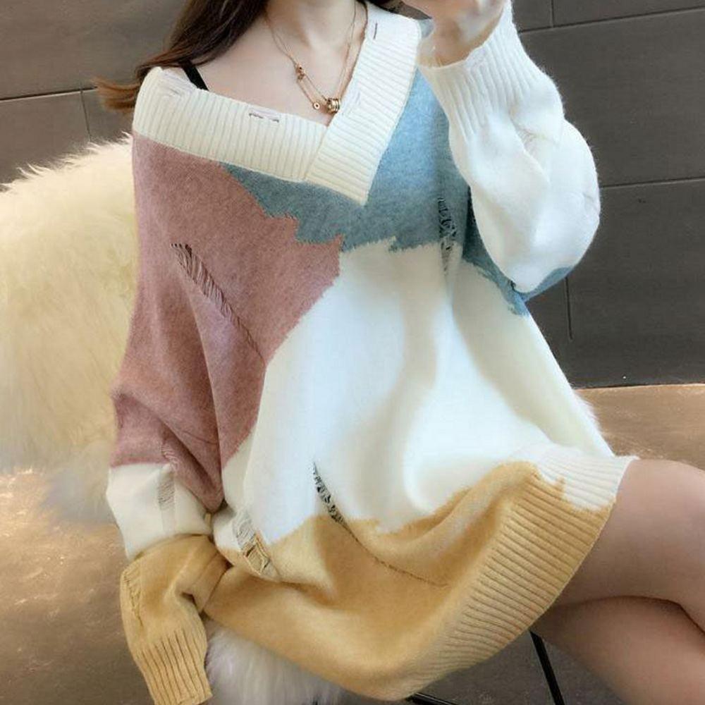 La BellezaV領羅紋交叉割破抓鬚造型柔軟包心紗配色寬鬆針織毛衣