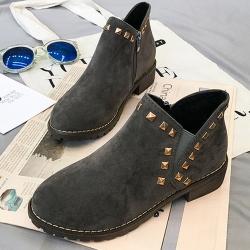 韓國KW美鞋館 (現貨+預購)-英倫簡約釘踝靴-灰