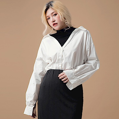 AIR SPACE LADY 中大尺碼 微高領配色假兩件襯衫(白)