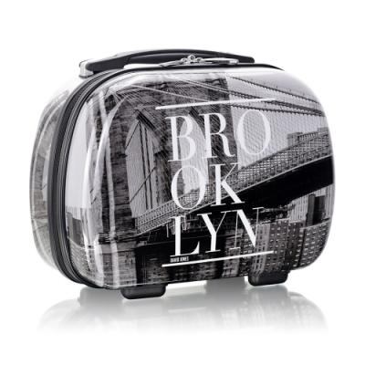 旅遊首選 旅行收納可外掛式 PC硬殼收納箱 化妝包 過夜包(灰階城市)