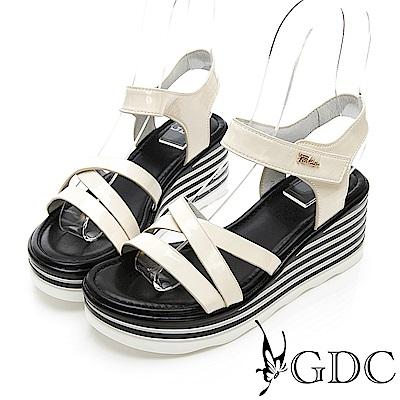 GDC-漆皮交叉簡約春下百搭楔型涼鞋-米色