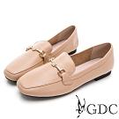 GDC-真皮素雅水鑽飾釦基本平底樂福鞋-卡其色