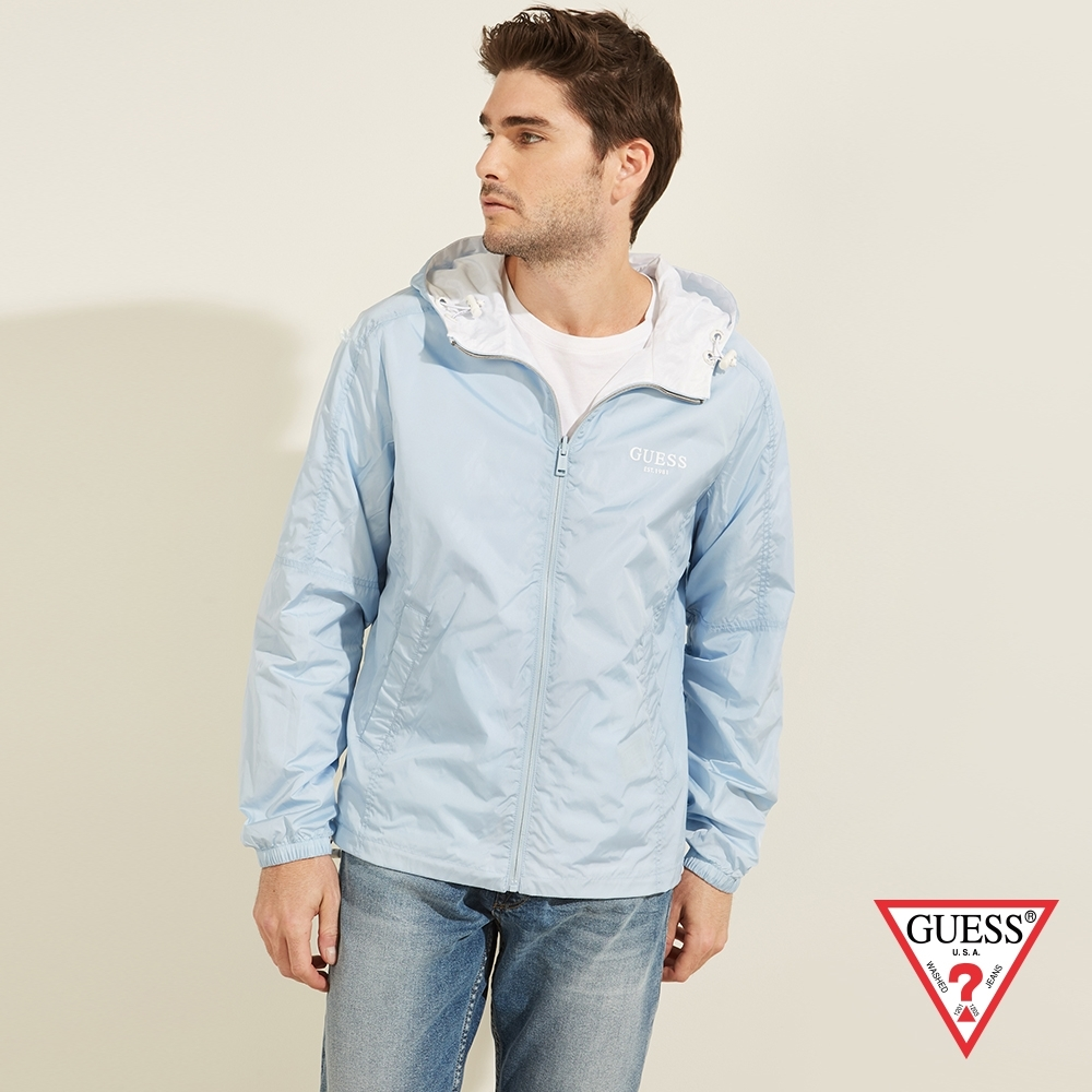 GUESS-男裝-雙面穿素色輕便連帽風衣外套-藍白 原價3990