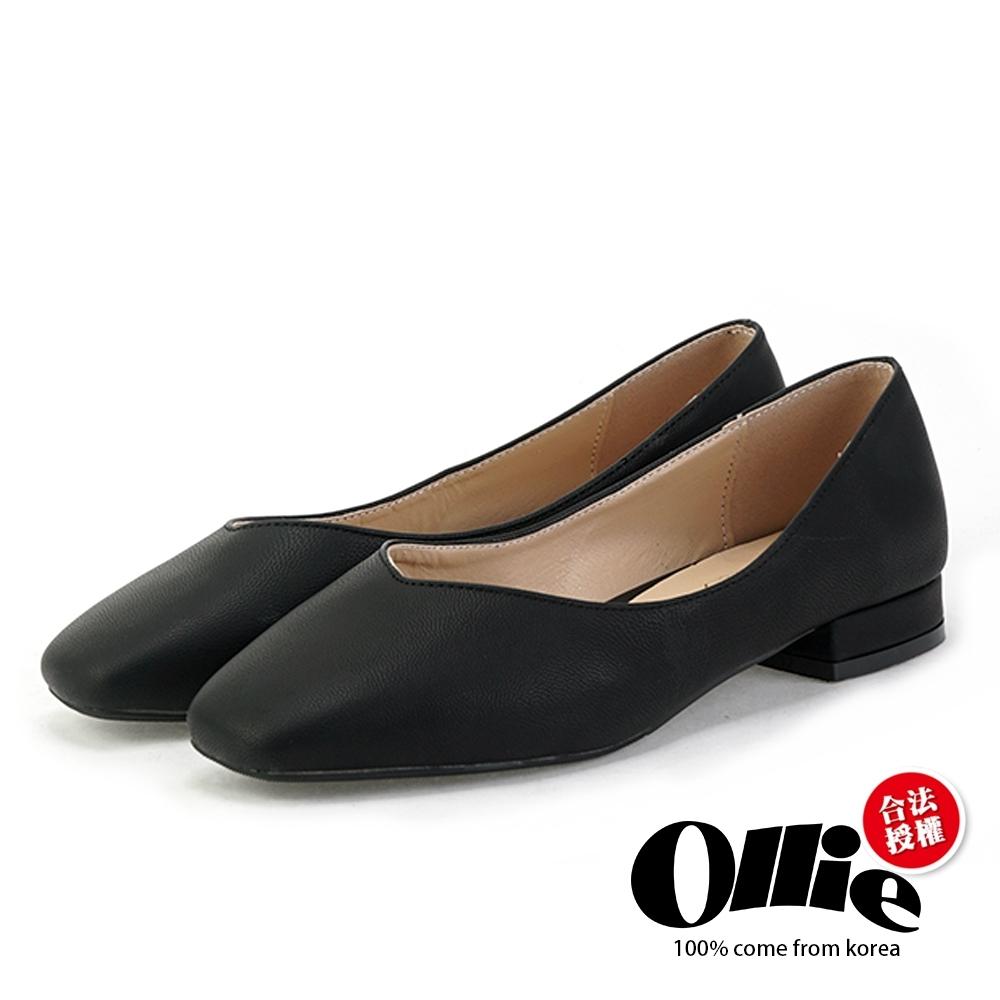 Aviator韓國空運-V口皮革素面包鞋-ollie預購