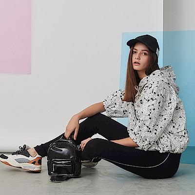 ICHE 衣哲 時尚連帽印花100%高磅棉拉鍊抽繩造型外套-椰奶白