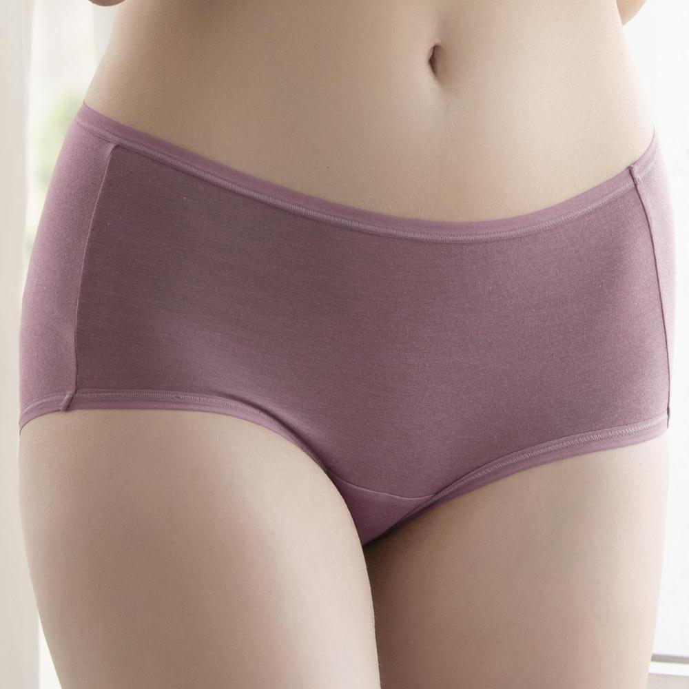 華歌爾 天絲竹炭 M-LL 中腰三角褲 (紫)